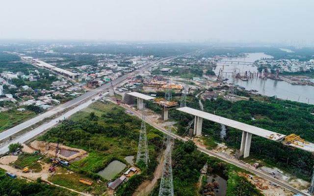 Cao tốc Bến Lức Long Thành gần dự án Long Phú Villa