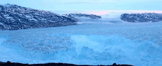Veja o que acontece quando um Iceberg com mais de 6 km se desprende de geleira - Img 1