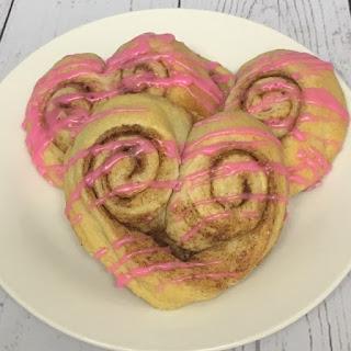 loveheart cinnamon bun