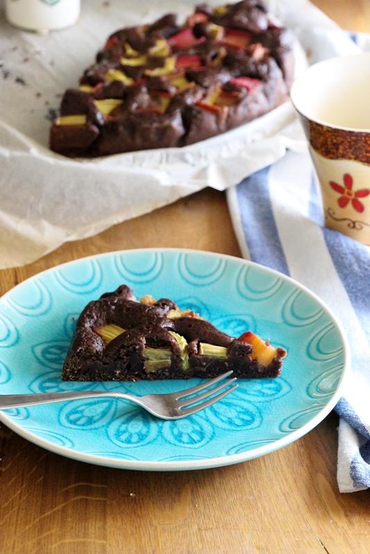 Schokoladenkuchen mit Rhabarber