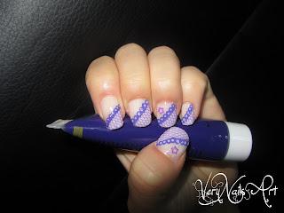Decoración de uñas con encaje