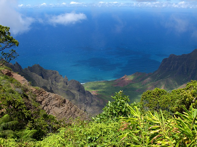 tropical romantic vacations in Kauai