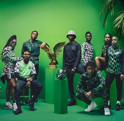 Wizkid, Alex Iwobi & Sexy Models Pose with Super Eagles' Jersey, Fans Reacts