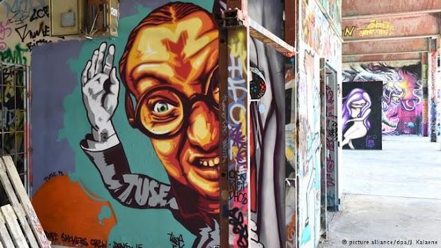 Το Τείχος του Βερολίνου στο ...σφυρί
