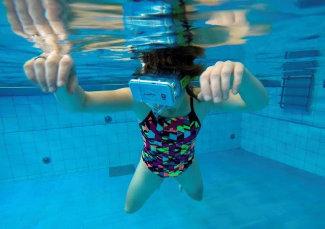Roger Samara - VR Swimming