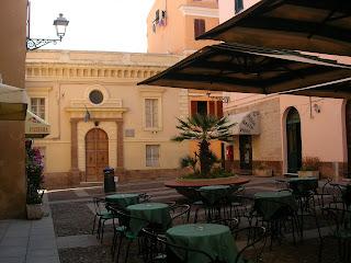 The Piazza Municipio in the historic centre of Alghero