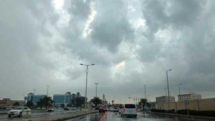 """الأرصاد: """"عواصف ترابية"""" تضرب البلاد صباح السبت والأمطار تسقط على هذه المحافظات بعد ساعات"""