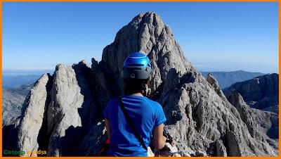 Mirando hacia Torrecerredo el techo de los Picos de Europa.