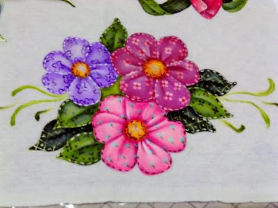 pintura em tecido flores estilo folk