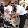 Luhut soal Beri Amplop ke Kiai di Madura: Untuk Bantu Pengobatan