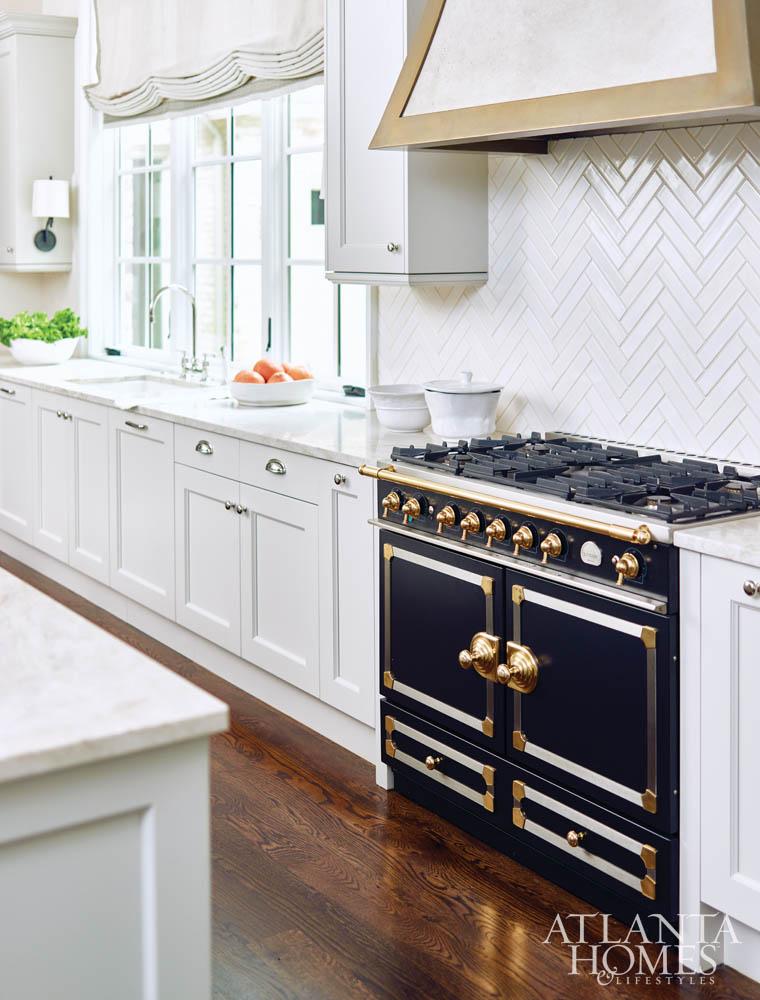 Kitchen Backsplash Black Granite Countertops White Cabinets