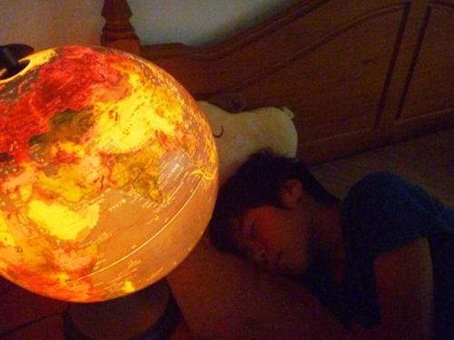 3歳の誕生日にプレゼントした光る地球儀