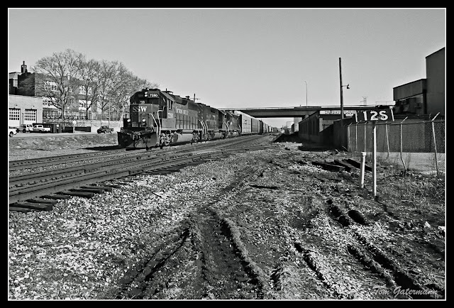 SSW 7280 Westbound on the Union Pacific Sedalia Subdivision at St. Louis.