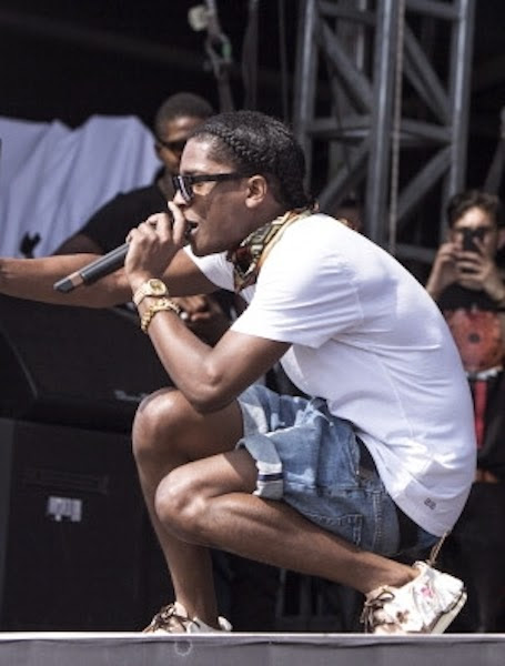 Celeb Saggers: A$AP Rocky Sagging Blue Boxers at Wireless Festival