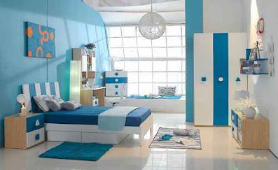 warna cat minimalis warna biru yang teduh di ruang tidur