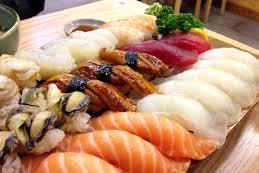 Bahaya Penyakit Yang Mengintai Dibalik Nikmatnya Makan Sushi