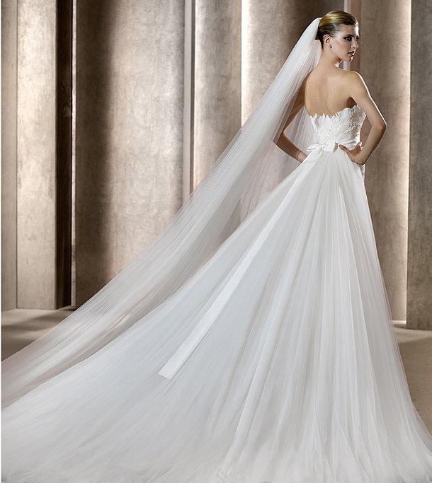 Brides Gowns Veils 22