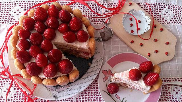 charlota fresas bizcocho de huevo queso mascarpone tarta pastel bonita fácil sin horno merienda postre rico receta primavera