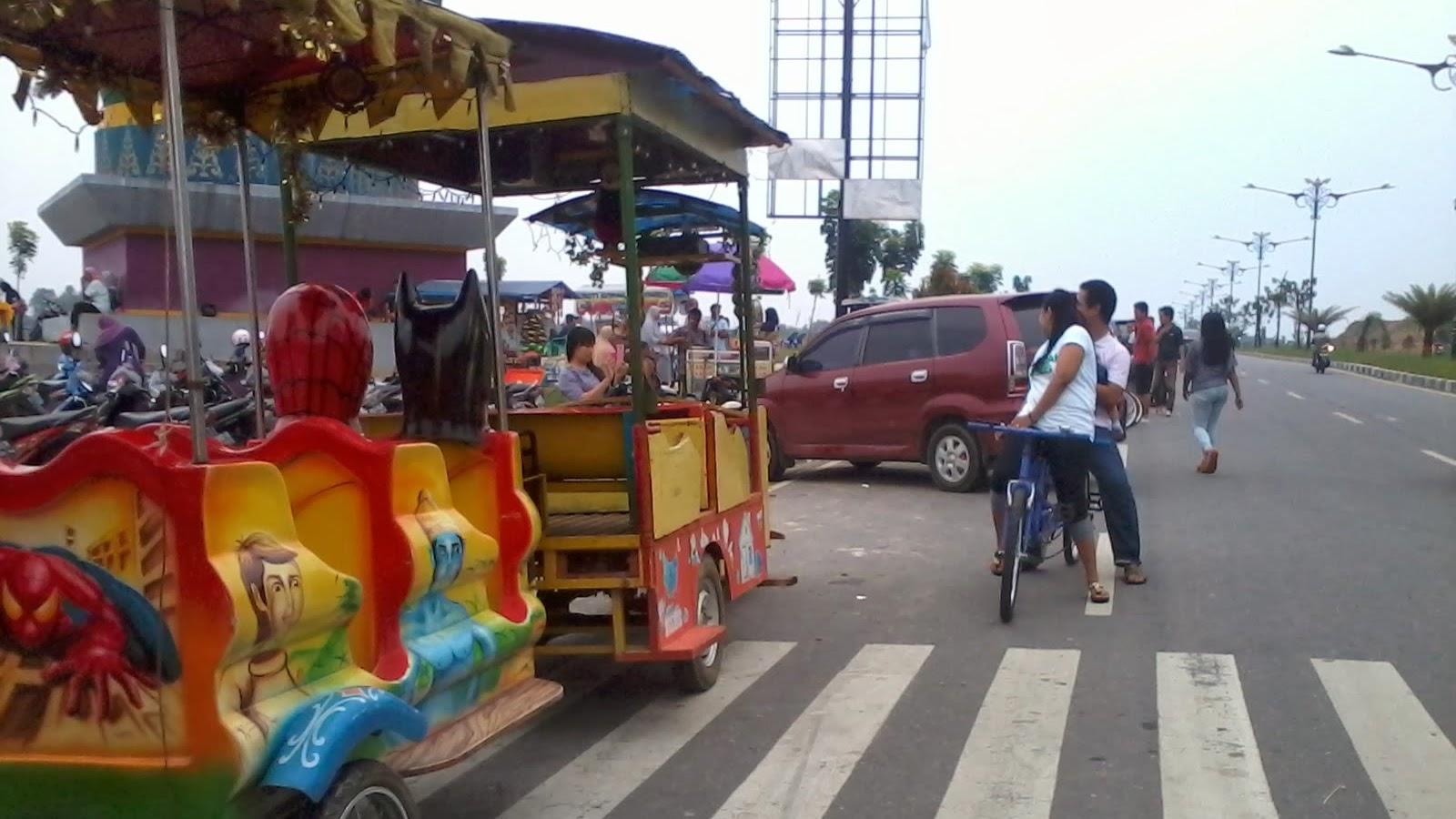 Wisata Sore di Stadion Utama Riau