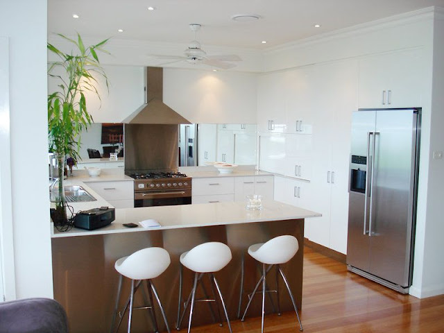 Make your Kitchen Spacious with Small Kitchen Tables Make your Kitchen Spacious with Small Kitchen Tables 2