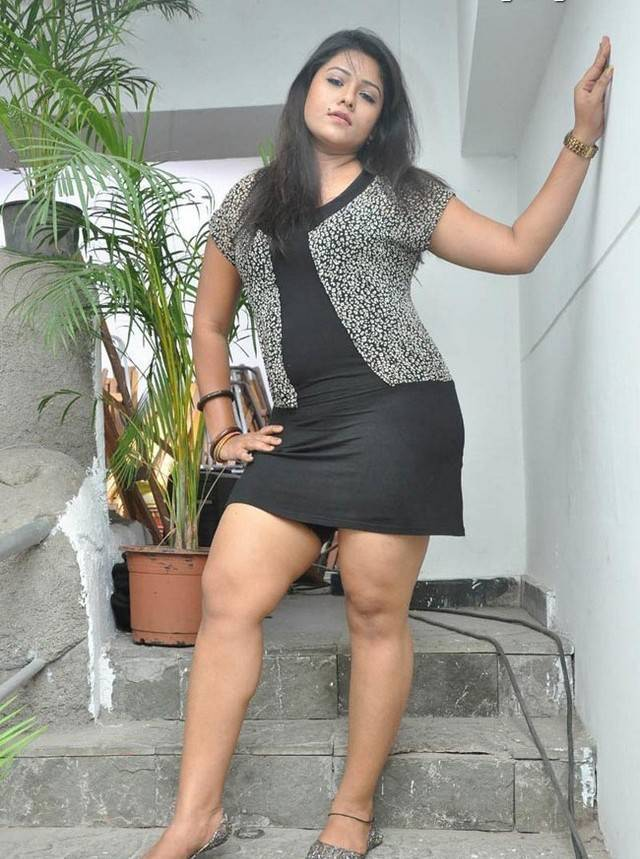 Indian girls sexy mini skirt photo — photo 4