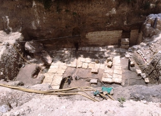 Σημαντική ελληνική αρχαιολογική ανακάλυψη στην Αλεξάνδρεια της Αιγύπτου από την αρχαιολόγο κα Κ. Λιμναίου-Παπακώστα