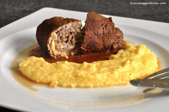 mediterrane rouladen mit tomaten rotwein sosse from snuggs kitchen. Black Bedroom Furniture Sets. Home Design Ideas