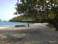 Pantai Ngampiran (Menikmati Keindahan Pesisir Selatan di Pantai Ngampiran)