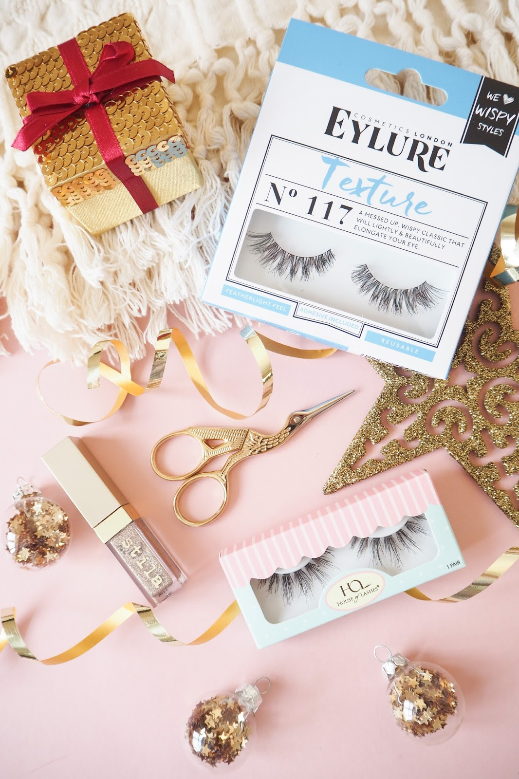 Tips on how to apply false lashes - Eylure lashes and House of Lashes false lashes