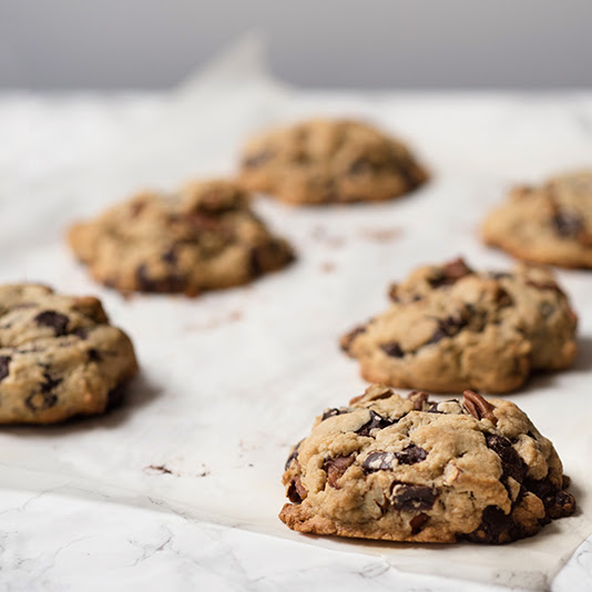 Levain Bakery Chocolate Chip Walnut Cookies