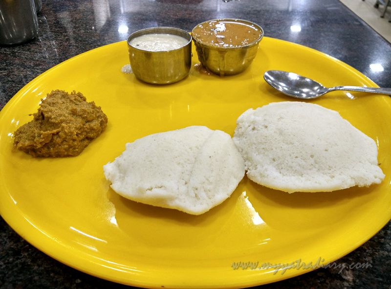 Idli at hotel Guru in Rameshwaram, Tamil Nadu