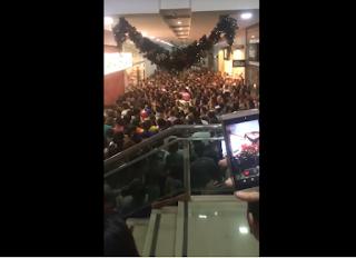 No Brejo Paraibano, porta de loja desaba em cima de clientes que aguardavam 'Black Friday'