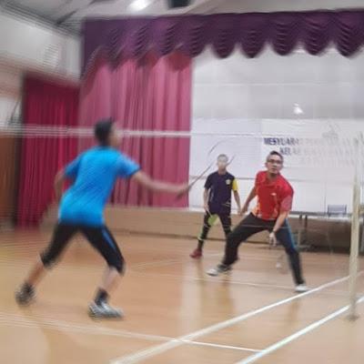sakit lutut ketika main badminton, minyak untuk legakan sakit lutut ketika main badminton, biobax sesuai untuk bersukan, badminton,