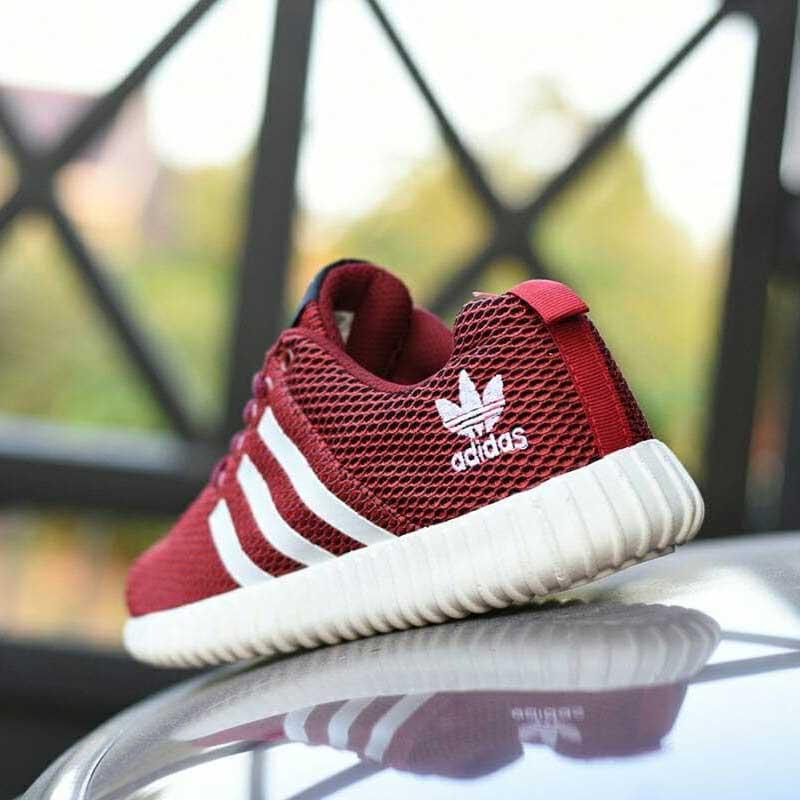 Adidas Yezzy Boost Merah - Beli Harga Murah 5f7ddf3510