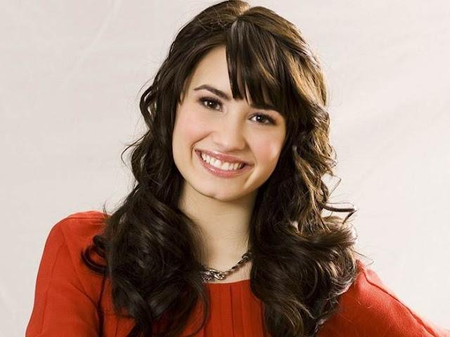 Profil Biodata Demi Lovato Lengkap