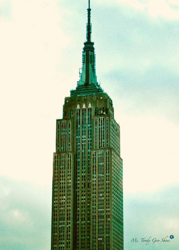 The Empire State Buiilding in NYC | Ms. Toody Goo Shoes #empirestatebuilding