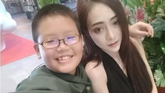 Viral, Bocah 10 Tahun Kencani Model Seksi dan Beri Kado iPhone X