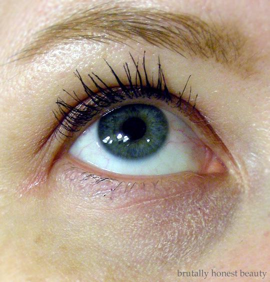 Review of IT Cosmetics Bye Bye Under Eye Full Coverage Anti-Aging Waterproof Concealer