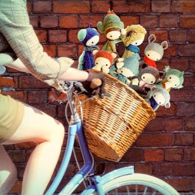 diferentes modelos de lalylalas en bicicleta