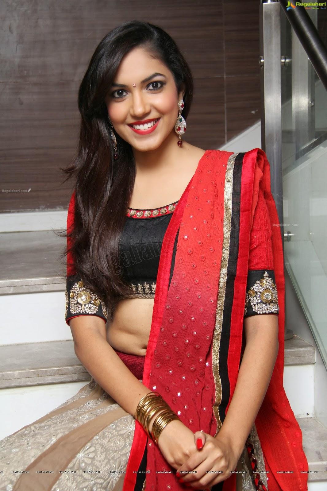 Dressing Below Navel Saree Ritu Varma Hot Navel Show-9042