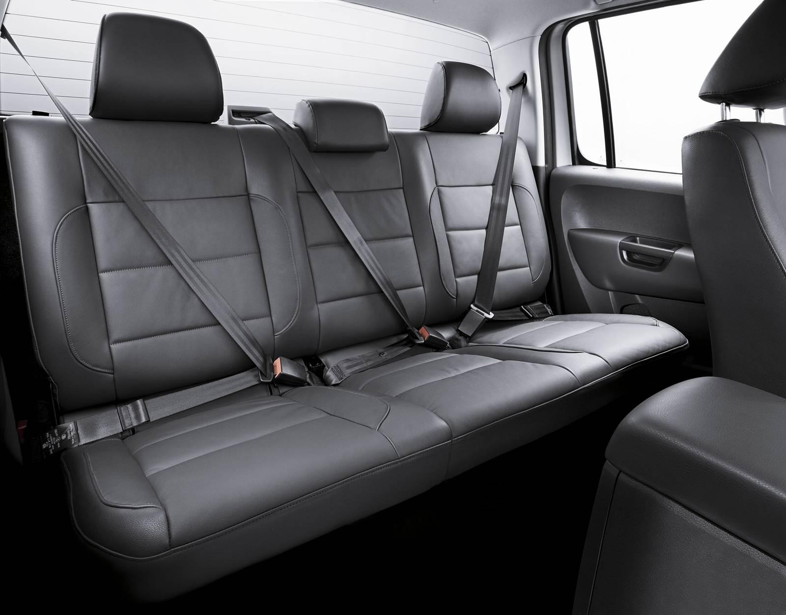 Volkswagen amarok 2014 fotos pre os e especifica es for Interno x4