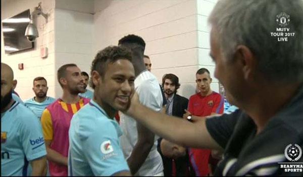 Mourinho dọa rời MU: Đòi lương khủng, mua sắm 200 triệu bảng/năm 2