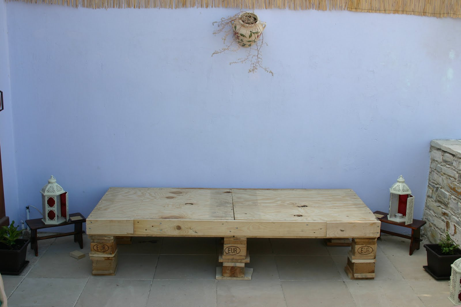 Places To Borrow Tables And Chairs Bedroom Rocking Chair Hay Bale Happiness Day Bed Bench