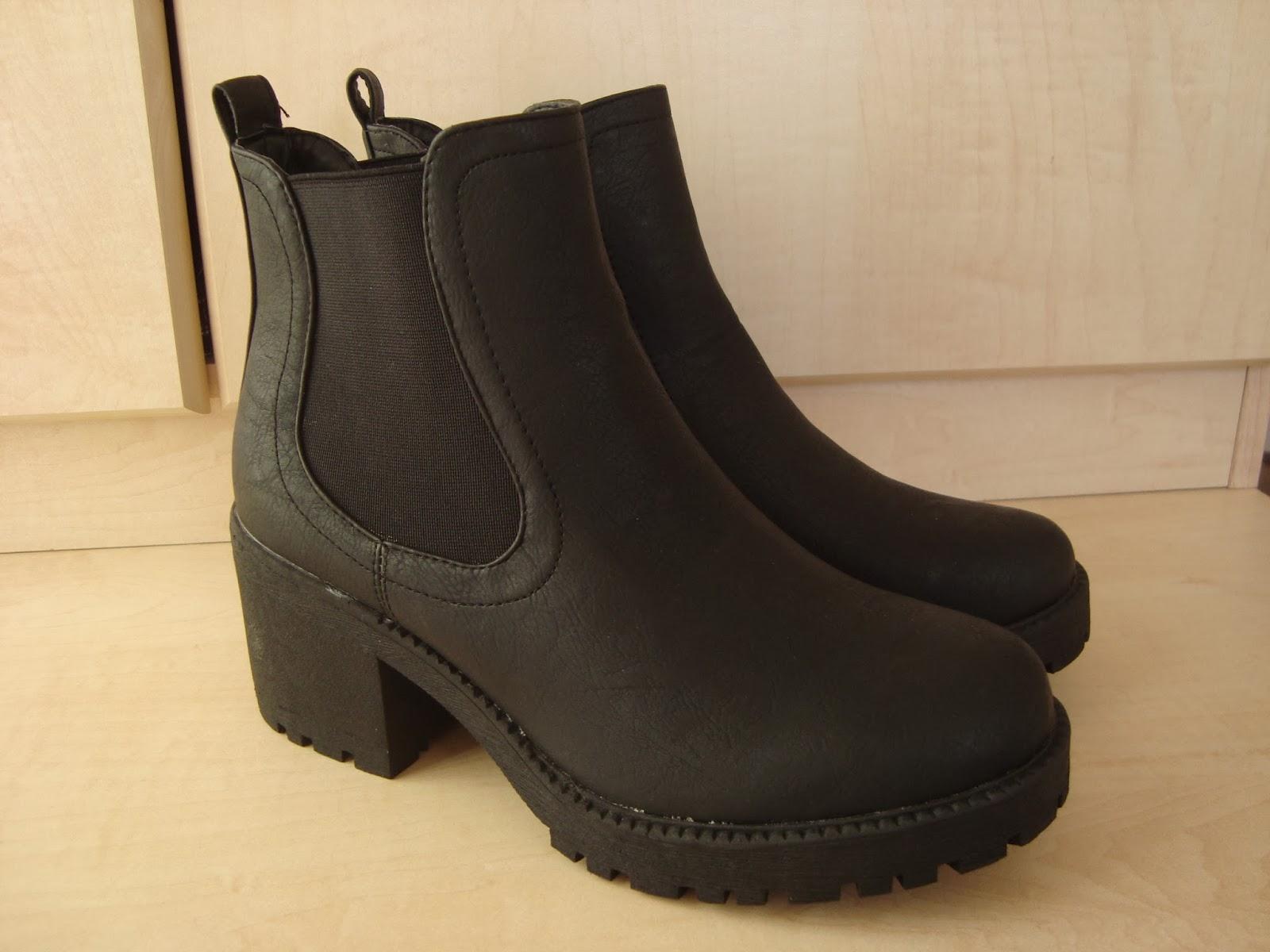 Klobige Chelsea Boots