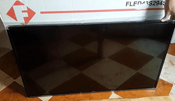 فتح علبة تلفاز Fitco 43″ Smart Tv 43S294S Récepteur Wifi integré الإنطباع الأولي