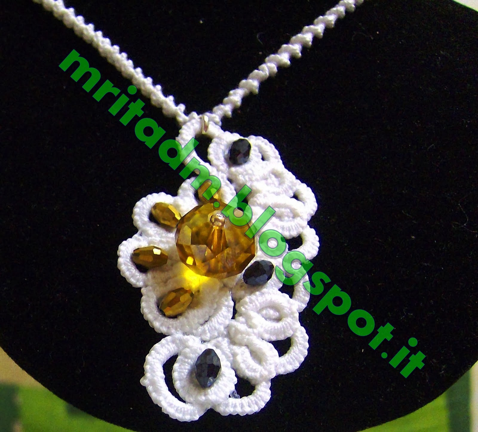 https://www.etsy.com/it/listing/174440536/collana-chiacchierino-tatting-frivolite?ref=listing-shop-header-0