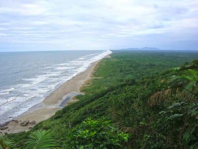 Praia da Jureia, em Iguape.