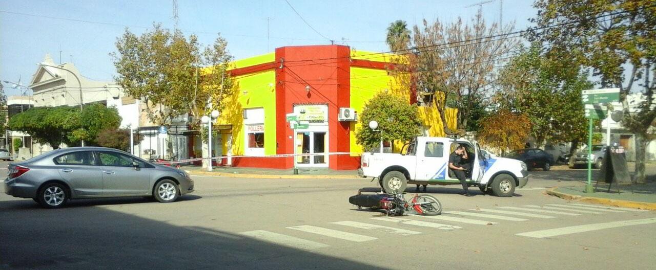 Casares On Line Choque Entre Una Moto Y Un Auto En La