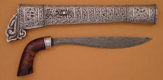Senjata-adat-Tradisional-Badik-bugis-luwu-dari-daerah-makasar-sulbar