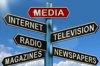Antara Politik Dan Media